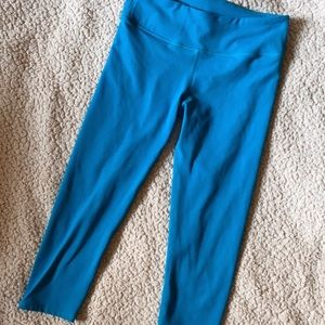 Fabletics cropped, blue leggings